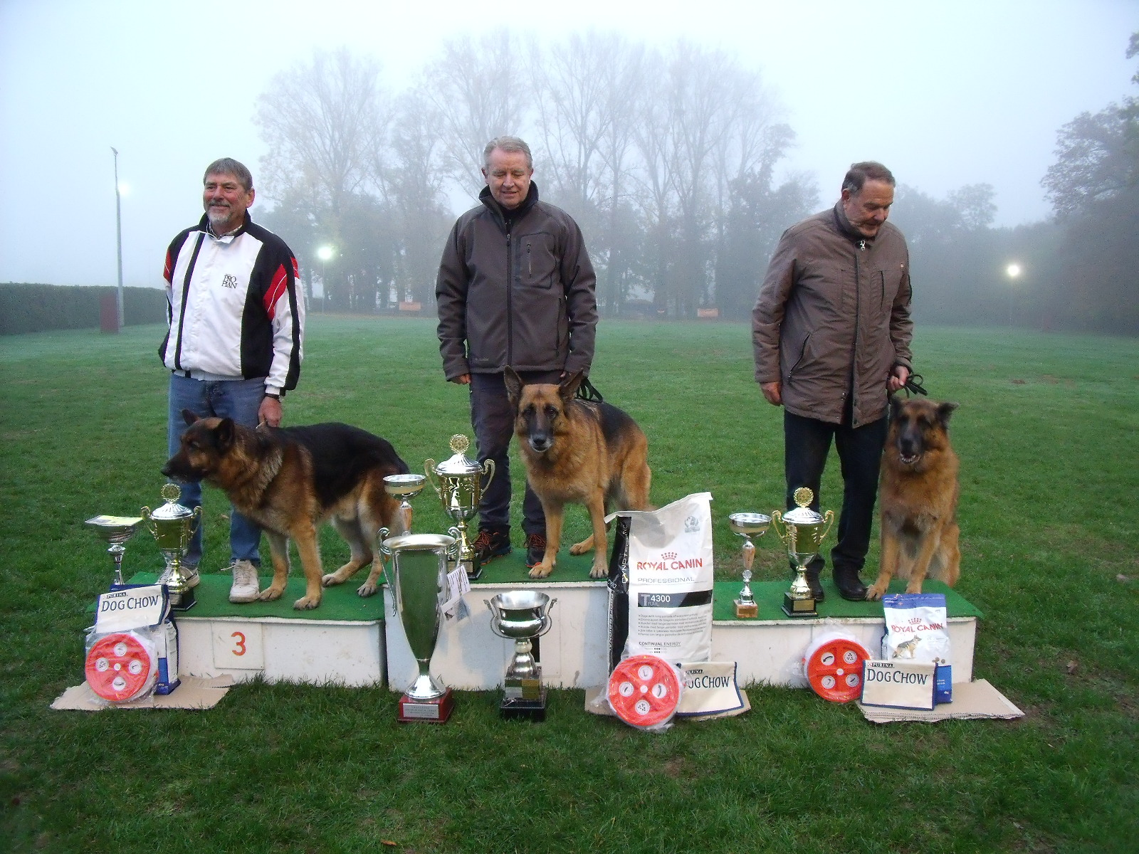 club canin mothern
